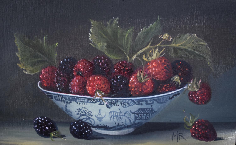 Small bowl of blackberries.