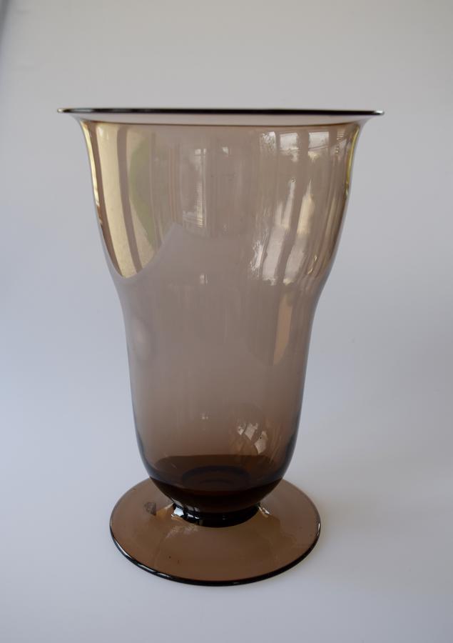 Art Deco vase on foot