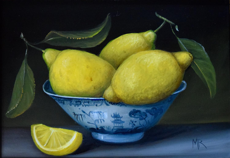 Small bowl of lemons