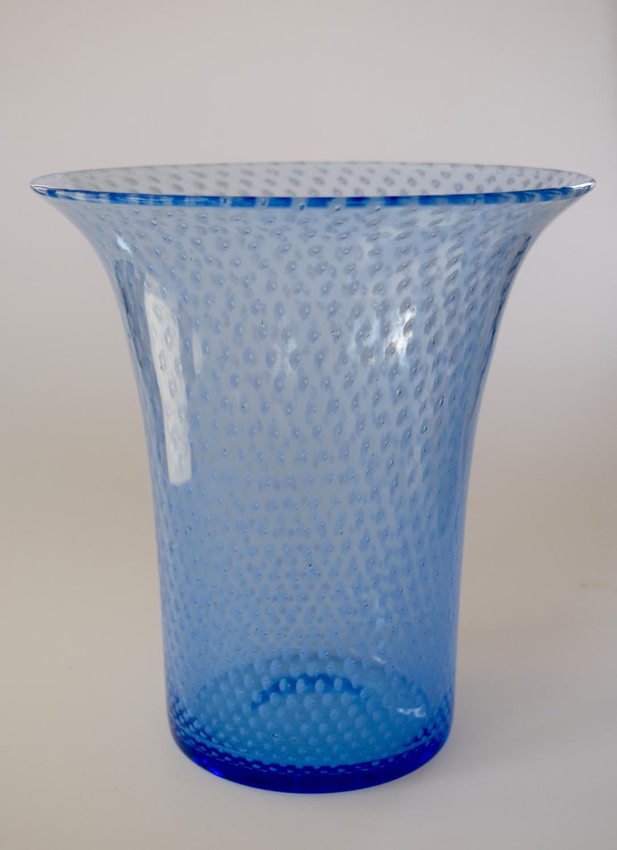 Blue spotty vase.