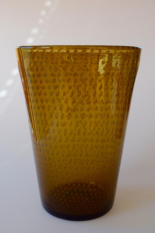 Brown spotty tumbler vase