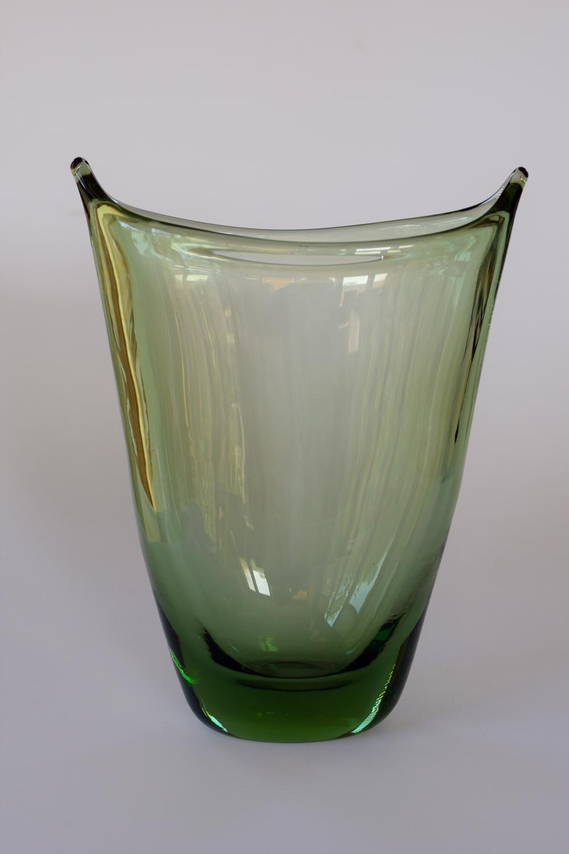 Whitefriars pulled rim vase.