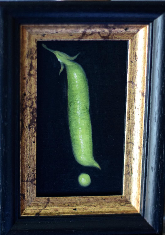 A pea and pod