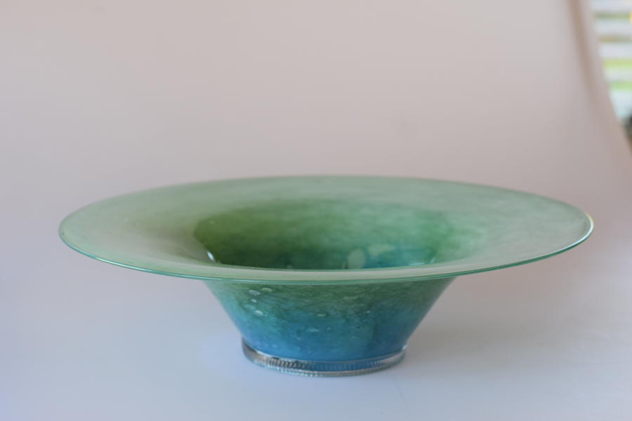 Whitefriars cloudy green bowl