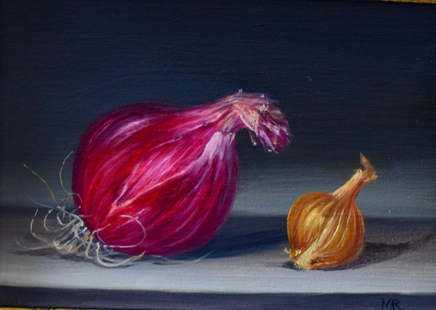 Red onion and little brown onion