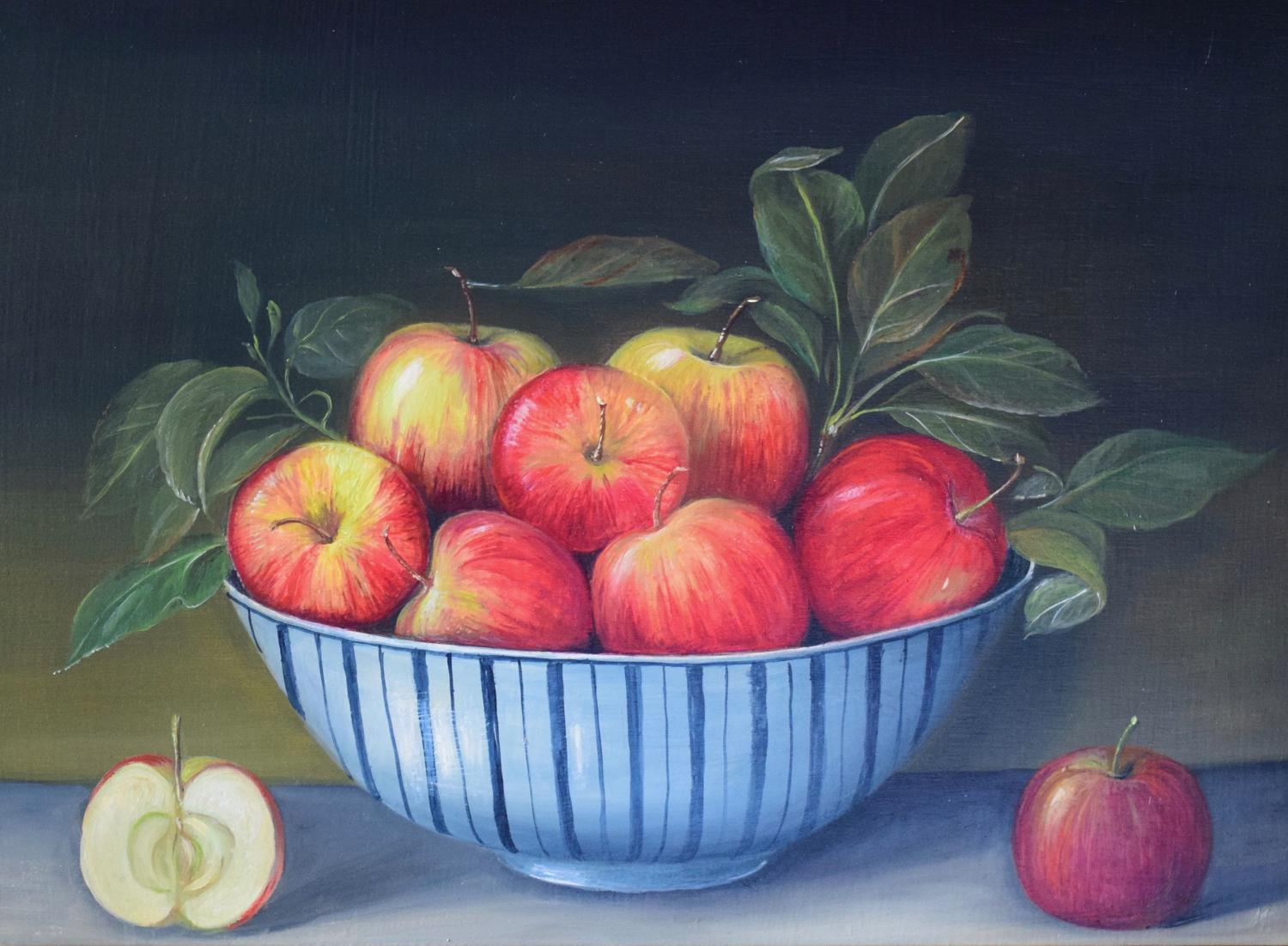 Bowl of apples.