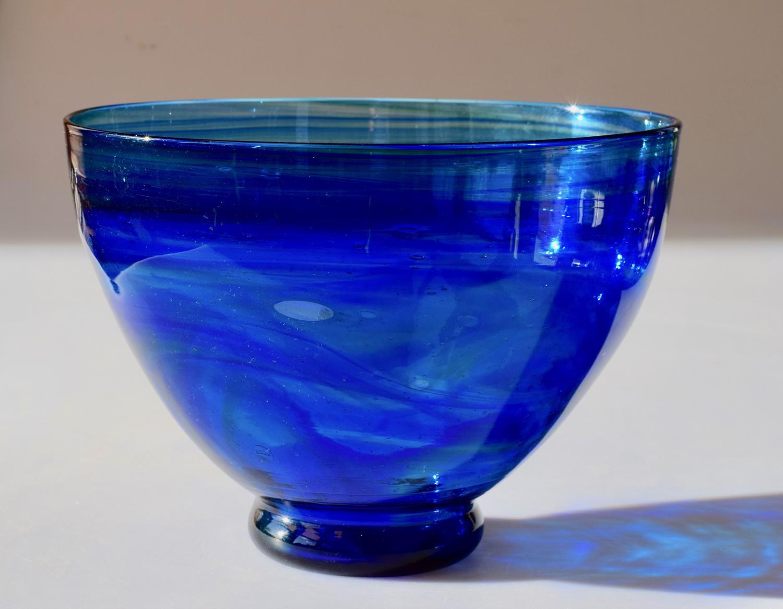 Large blue streaky bowl
