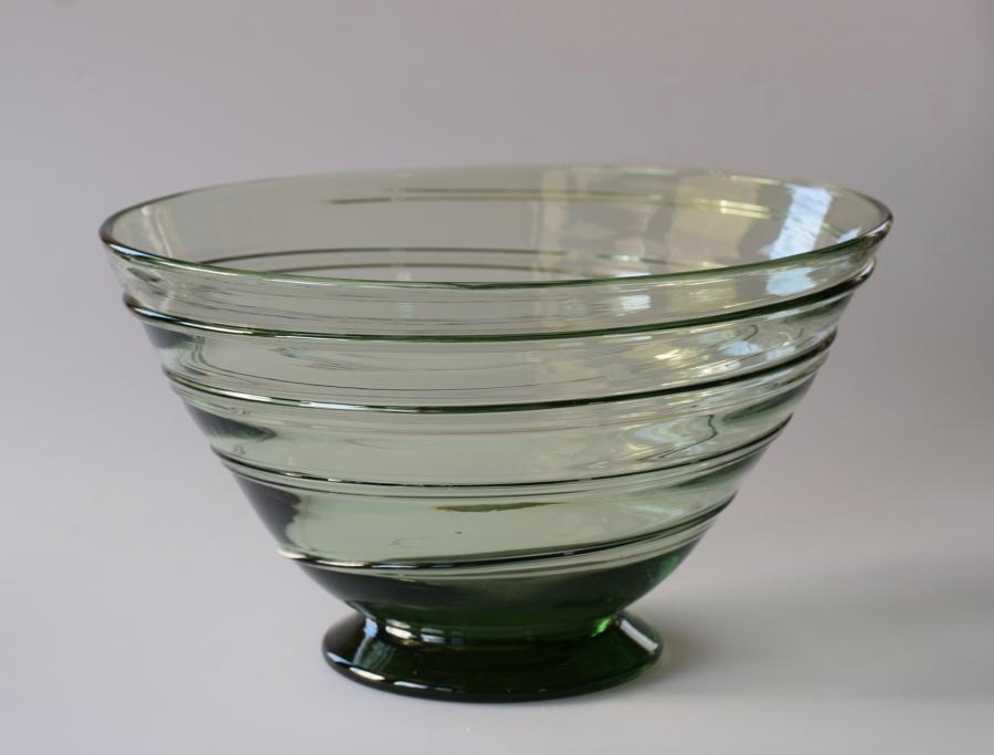 Whitefriars ribbon bowl, sea green