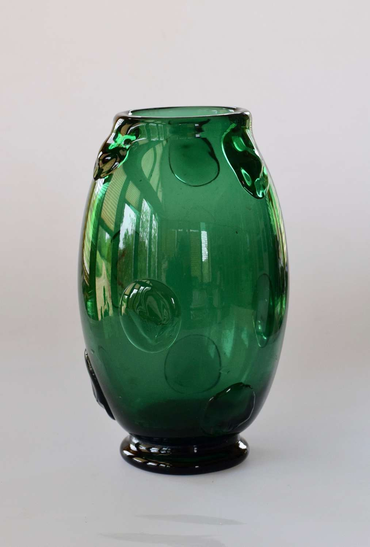 Dark green vase with punts