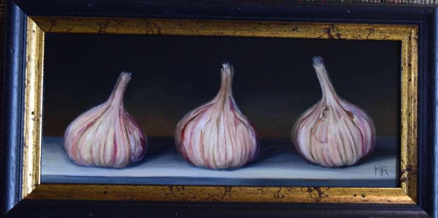 3 garlic bulbs