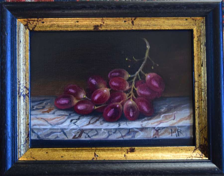 Grapes on marble