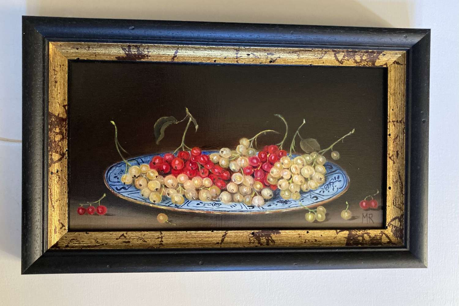 Plate of red and white currants