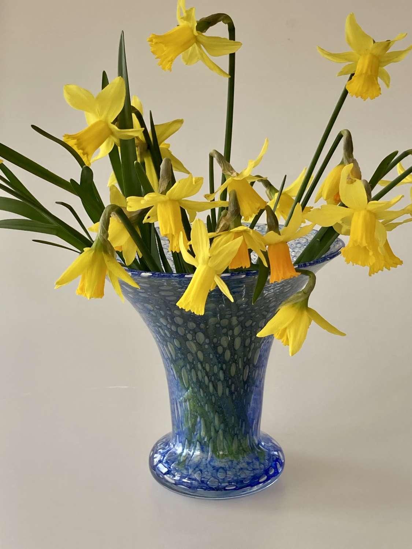 Nazeing blue bubble vase
